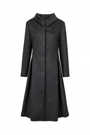 DIPLOMATIC_coat